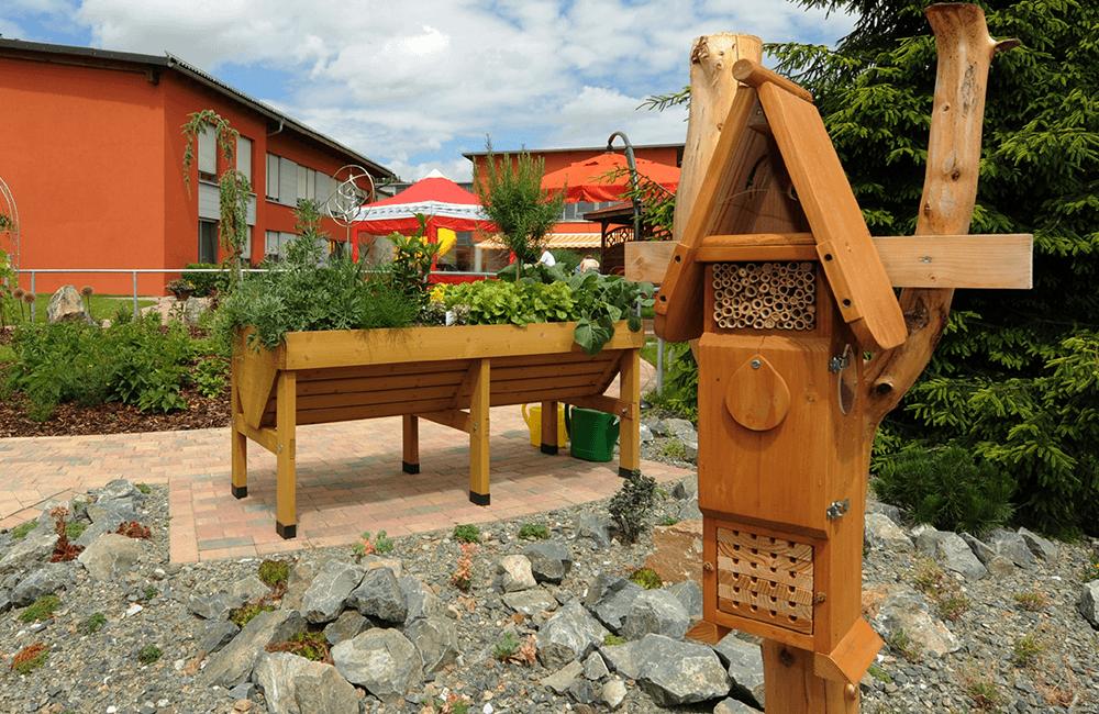 natürliche Gestaltung des Parks im AWO Seniorenzentrum Ehrenfriedersdorf